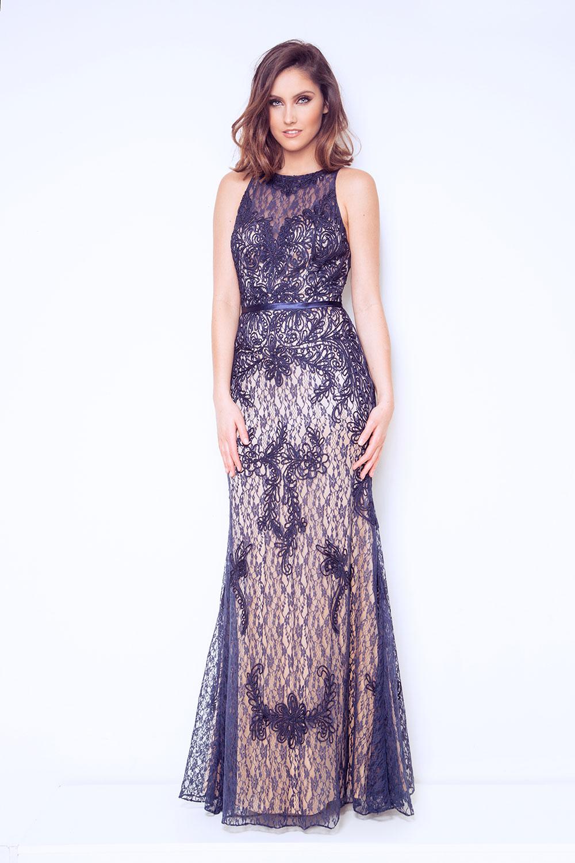 9d02d4ecc376 1012914_F Balklänning, festklänning, tärnklänning, enkel brudklänning från  Dynasty London. Balklänningar i spets