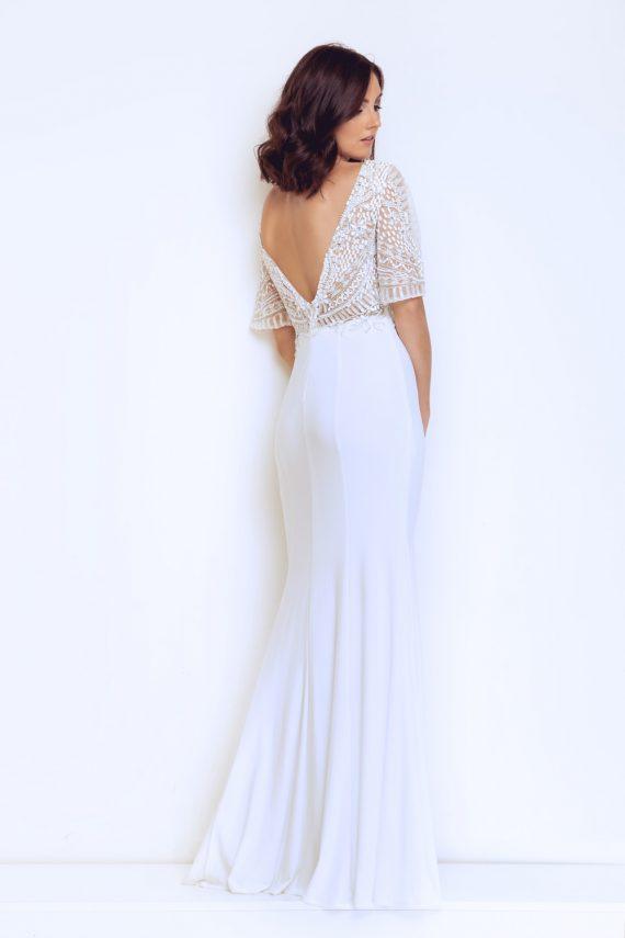 Balklänning, festklänning, tärnklänning, enkel brudklänning från Dynasty London. Balklänningar i spets, chiffong, tyll och Mikado