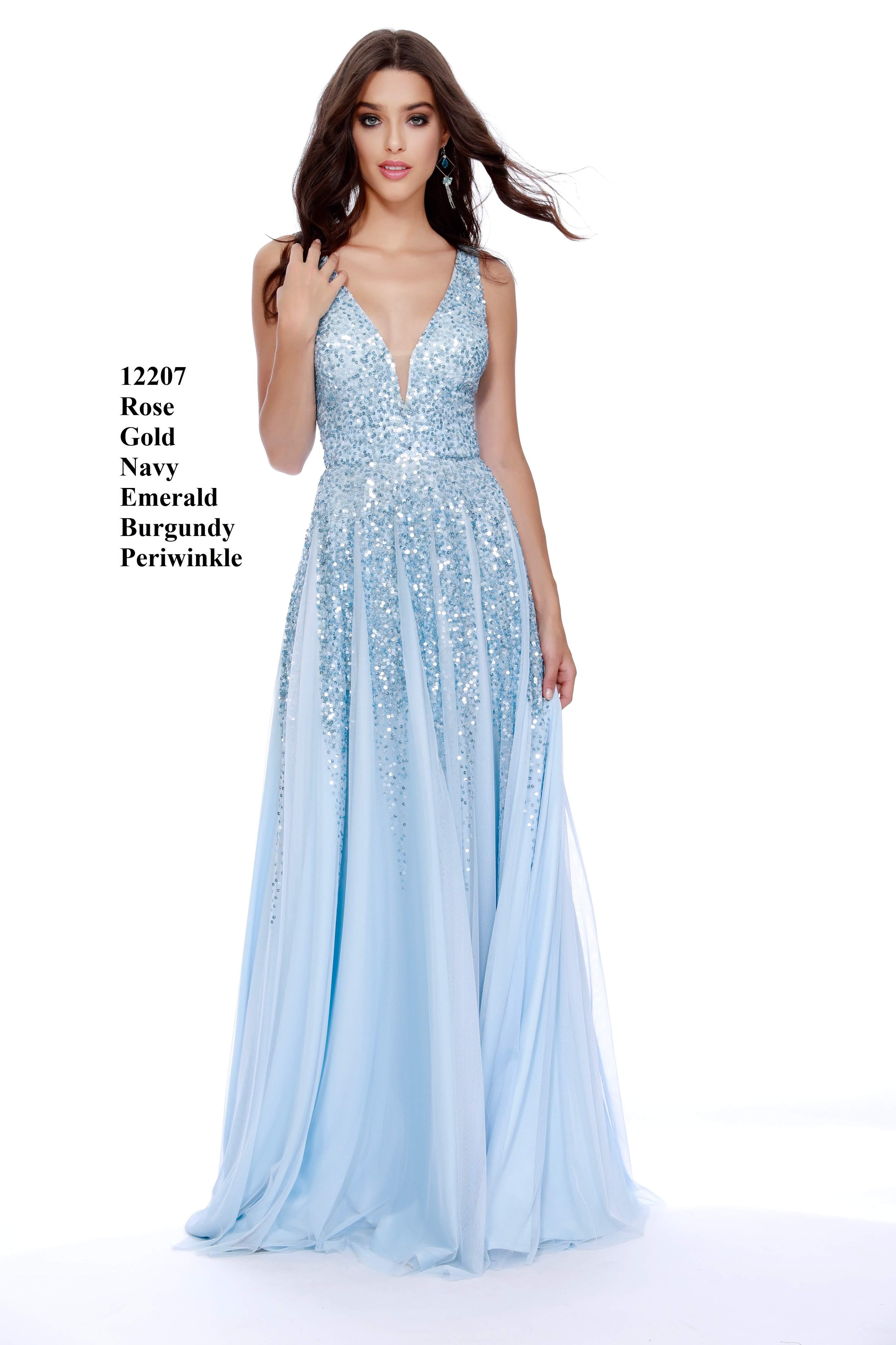dbc092d64850 Vacker Balklänning, festklänning, tärnklänning. Denna balklänning finns i  flera färger och storlekar.