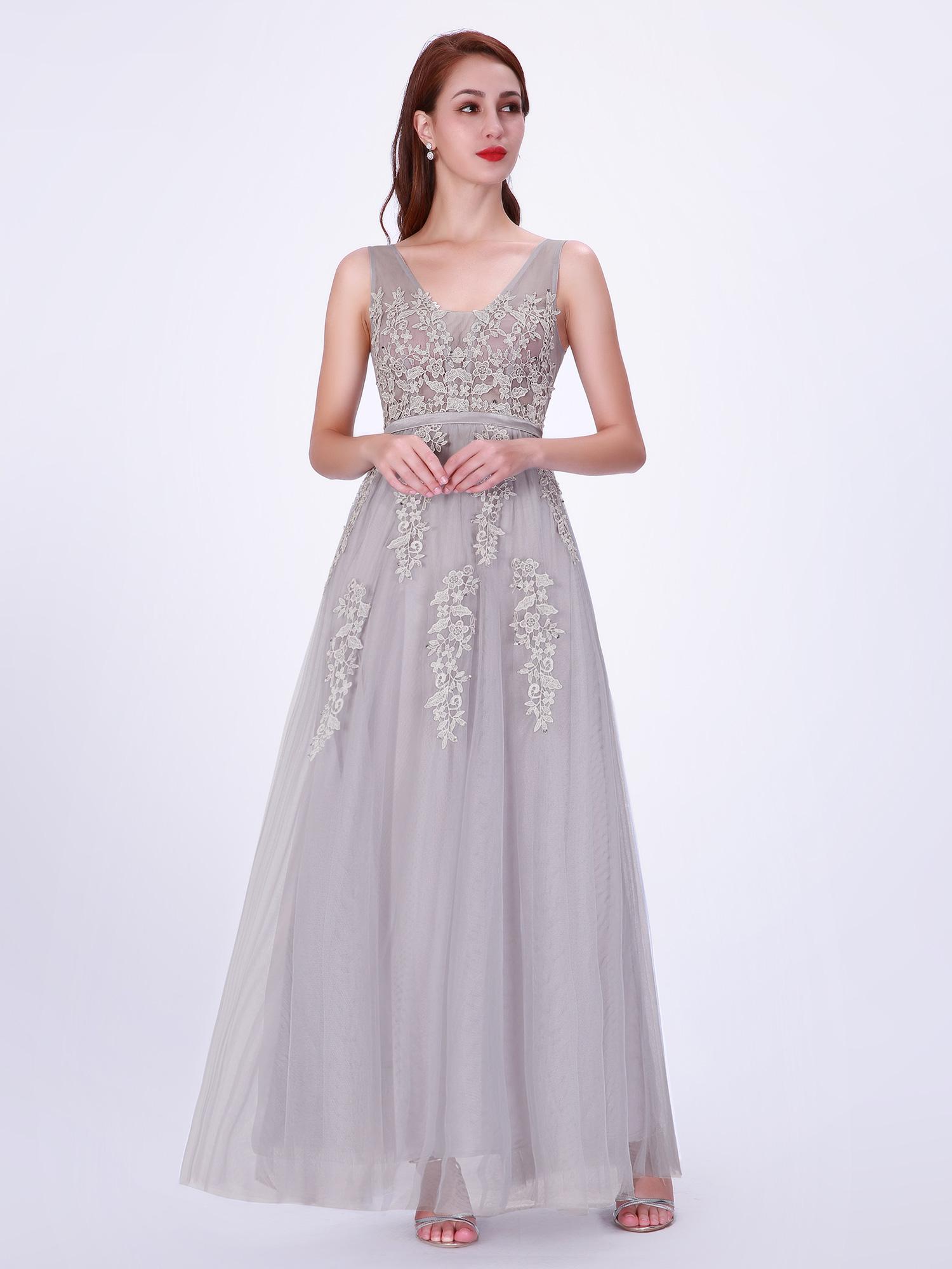 30822658feaa Enkel Balklänning, festklänning, tärnklänning. Denna balklänning finns i  många färger och storlekar.