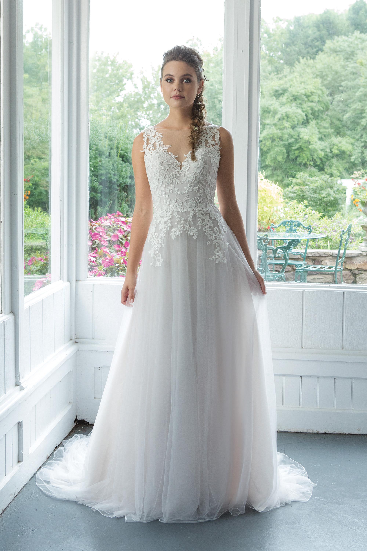 Brudklänning från Sweetheart nr 11093 JOLIE BRIDAL